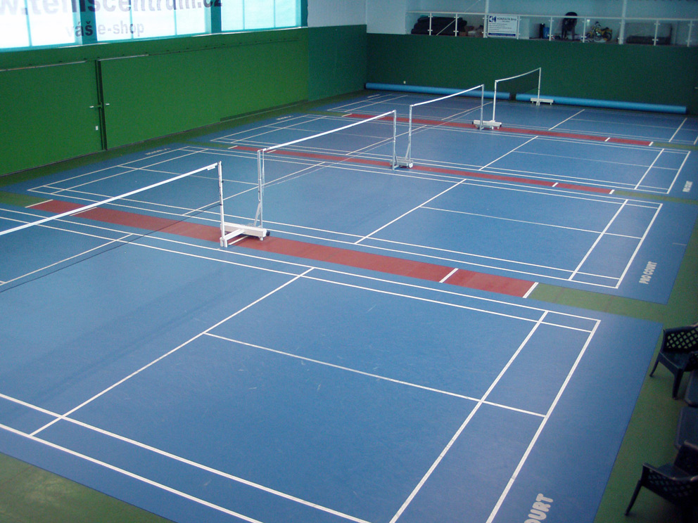 Badminton brno club classic for Indoor badminton court height